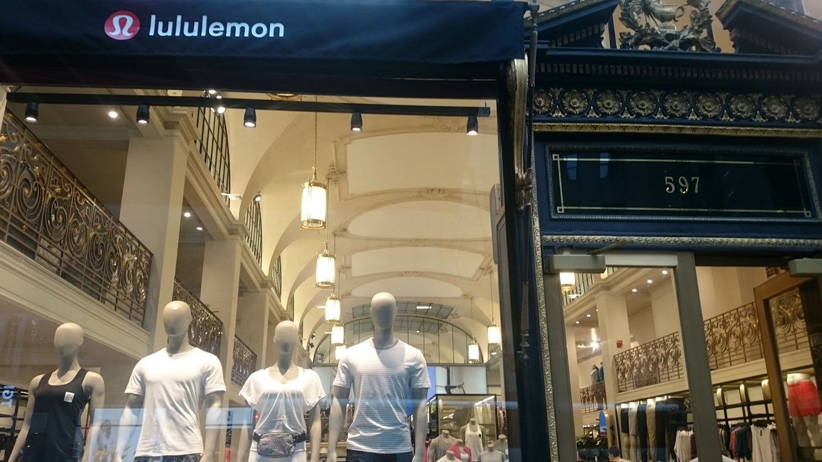 lululemon 597 5th avenue